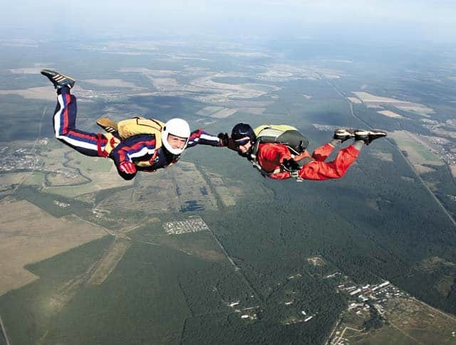 Человек высокого полета, – парашютист-испытатель Петр Задиров о вере в Бога, экстремальной профессии и православном храм...