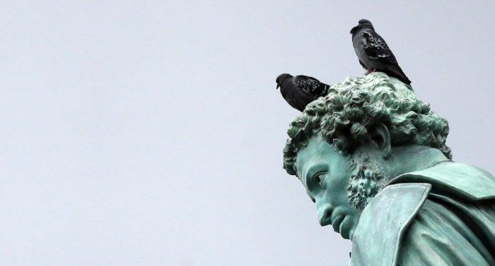 Пушкин был лешим и не погиб на дуэли: где миф, а где правда о главном поэте России?