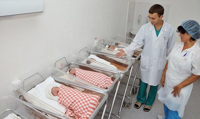 В 2013 году рождаемость в России впервые с начала 90-ых превысила смертность