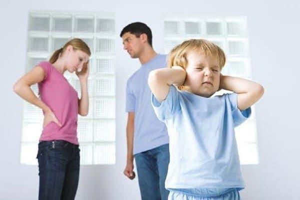 Закон о профилактике домашнего насилия не должен давать повод вмешиваться в жизнь семей, - Владимир Путин