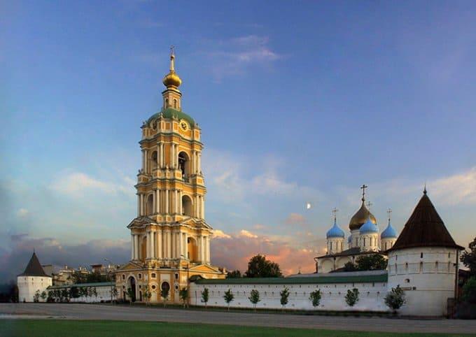 О больных гемофилией помолились в Новоспасском монастыре