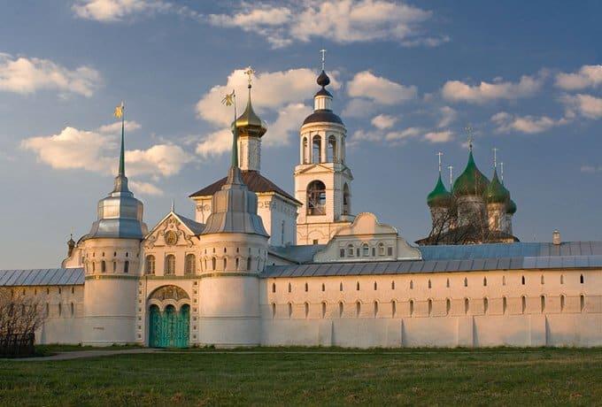 В честь 700-летия Толгского монастыря издали книгу и открыли выставку