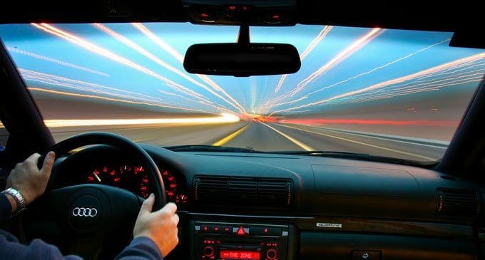 Спасает ли иконка в автомобиле от аварии?