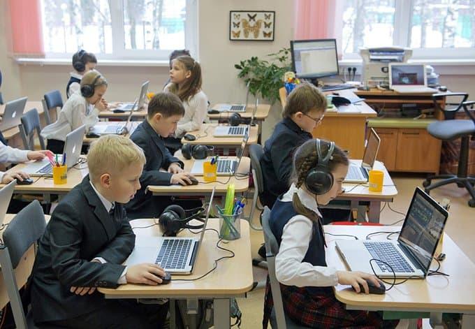 Школьников научат, как себя правильно вести в соцсетях