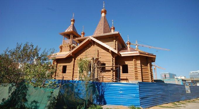 В Москве более тысячи храмов, в половине из них регулярно служат