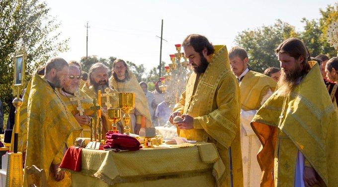 Богослужения на улицах окончательно приравняли к митингам