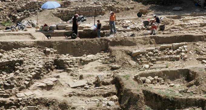 В Греции откопали неизвестный древний город
