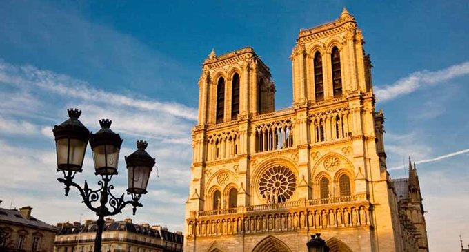 Во Франции подумывают об установлении платы за посещение храмов