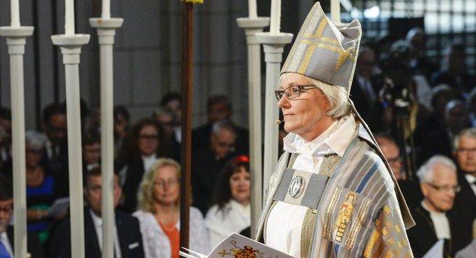 Британские лорды согласились на женский епископат