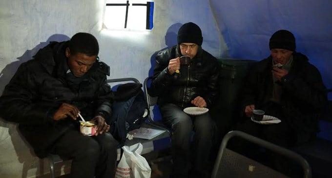 Бездомные не потеряны для общества, - уверены в Церкви