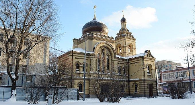 Патриарх Кирилл освятил восстановленный храм при детской больнице
