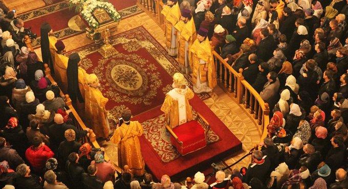 Россияне отдают предпочтение православному Рождеству, - опрос