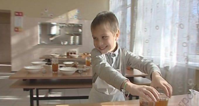 Обаятельный мальчик Даня ищет родителей