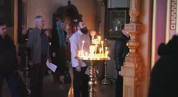 На столичном подворье Валаамского монастыря началось народное пение литургии