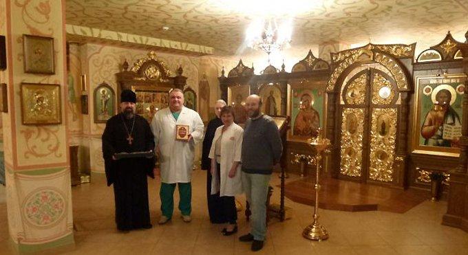 Пациенты главной лор-клиники страны смогут прочитать Евангелие
