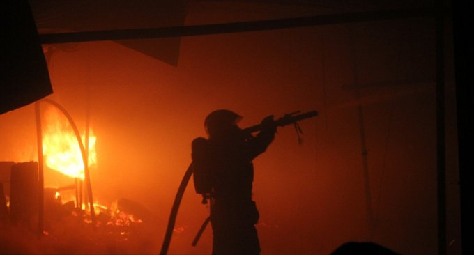 Огонь уничтожил в Псковской области церковь XVII века