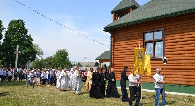 В белорусской деревне освятили храм на месте, где фашисты сожгли людей