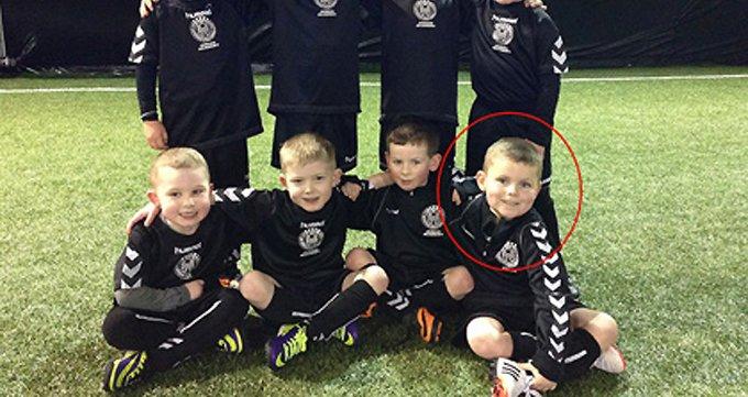 Мальчика, больного раком, болельщики шотландской команды признали игроком года