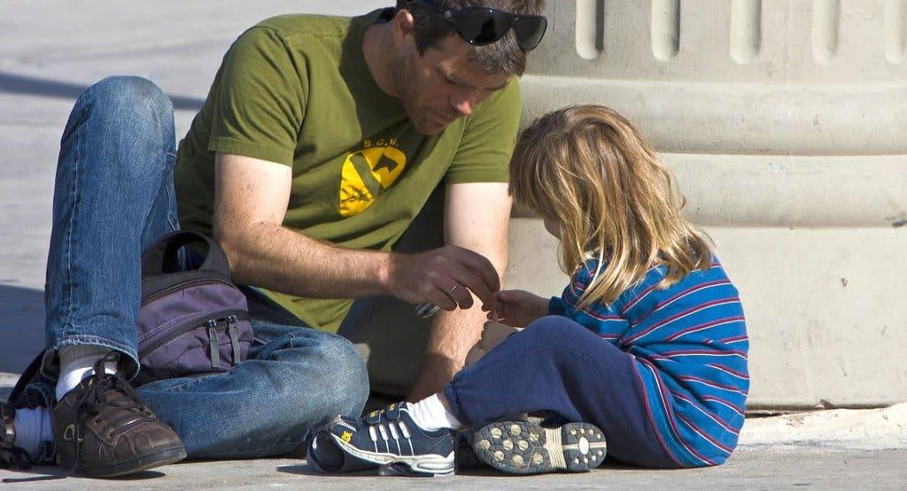 Интимные отношения -- что и как сообщать детям
