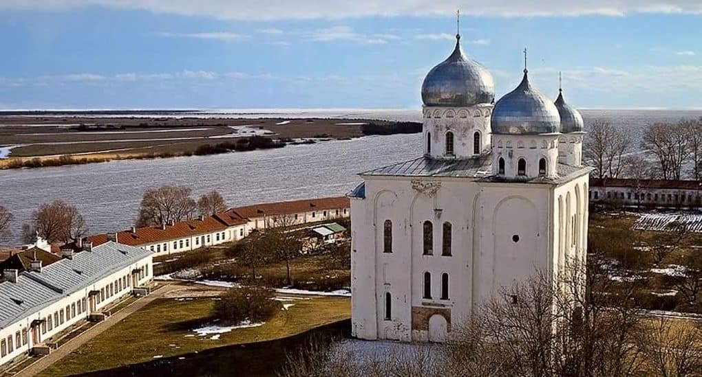 Французский фотограф посвятил свою книгу русским монастырям