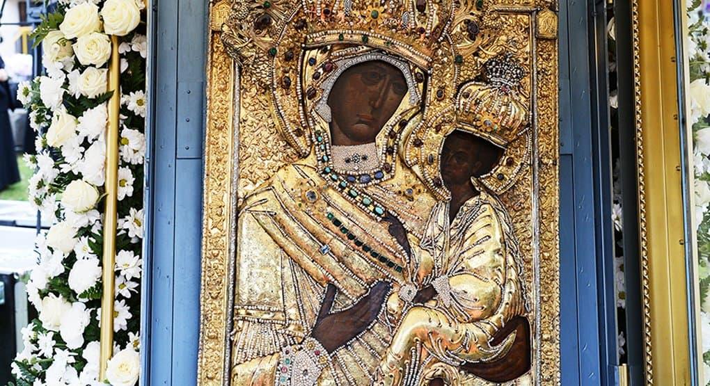 Православные чтут Тихвинскую икону Божией Матери
