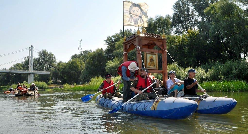 Из Новгорода стартовал водный крестный ход в честь князя Владимира