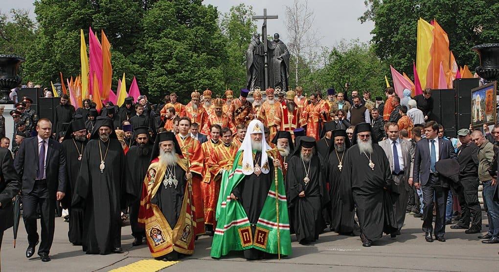 Патриарх Кирилл возглавит крестный ход в честь святителя Петра