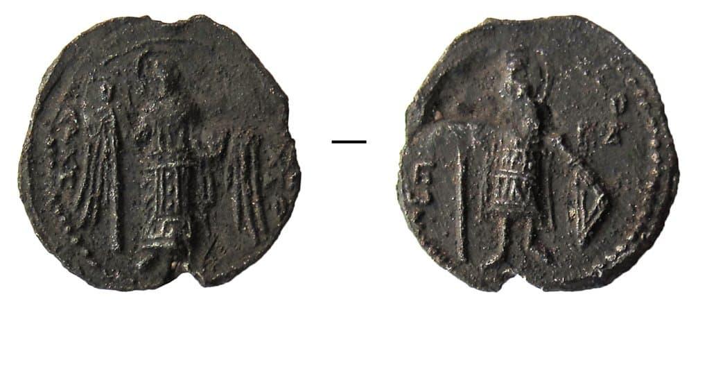 В Твери найдены печати русских князей с изображениями святых