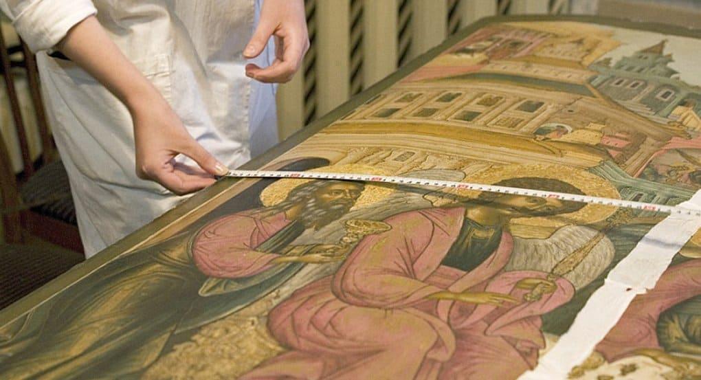 В Подмосковье полицейские вернули храму 29 украденных икон