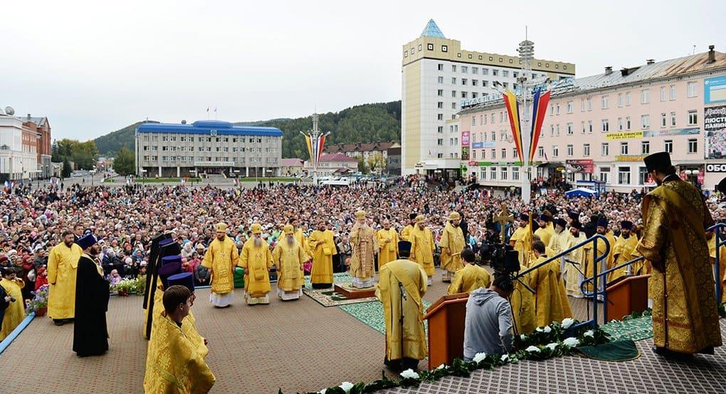 Патриарх Кирилл помолился с жителями Алтая на их родном языке