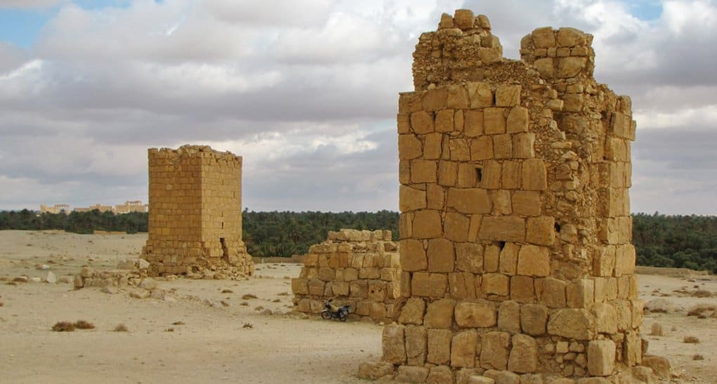 Боевики начали разрушать пальмирский некрополь
