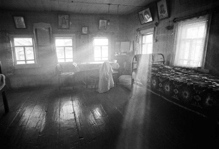 Из серии «В верхнем течении Пинеги». Деревня Фроловская, Архангельская область, 2011