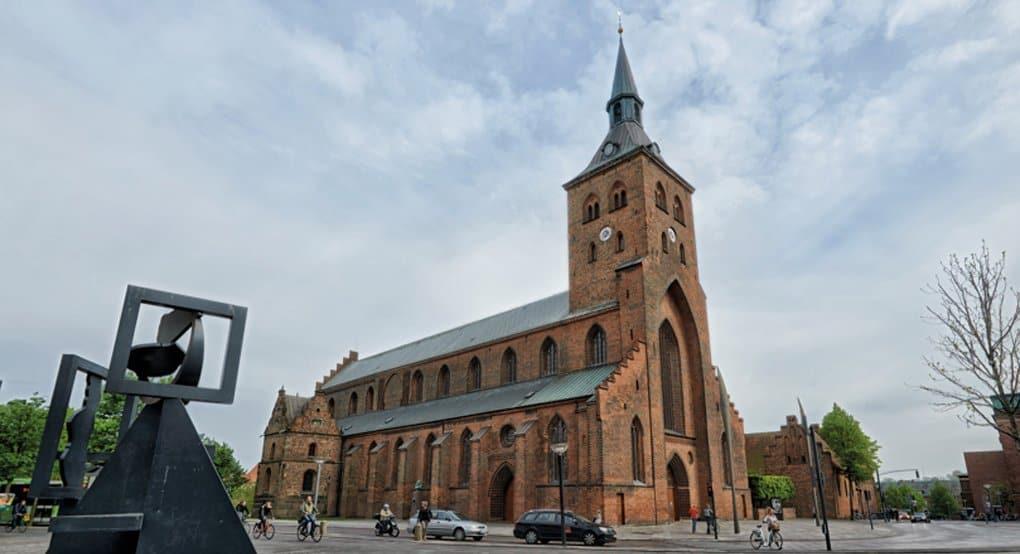 В Дании нашли, возможно, древнейшее на севере Европы захоронение епископа