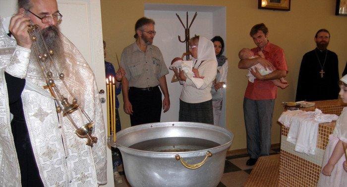 Нужно ли повторно креститься, если крестный отец или мать были неверующими?