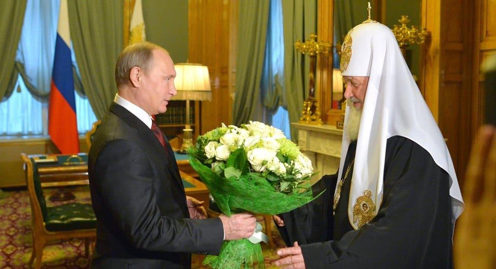Русская Церковь поддерживает в обществе высокую планку нравственности, - Владимир Путин