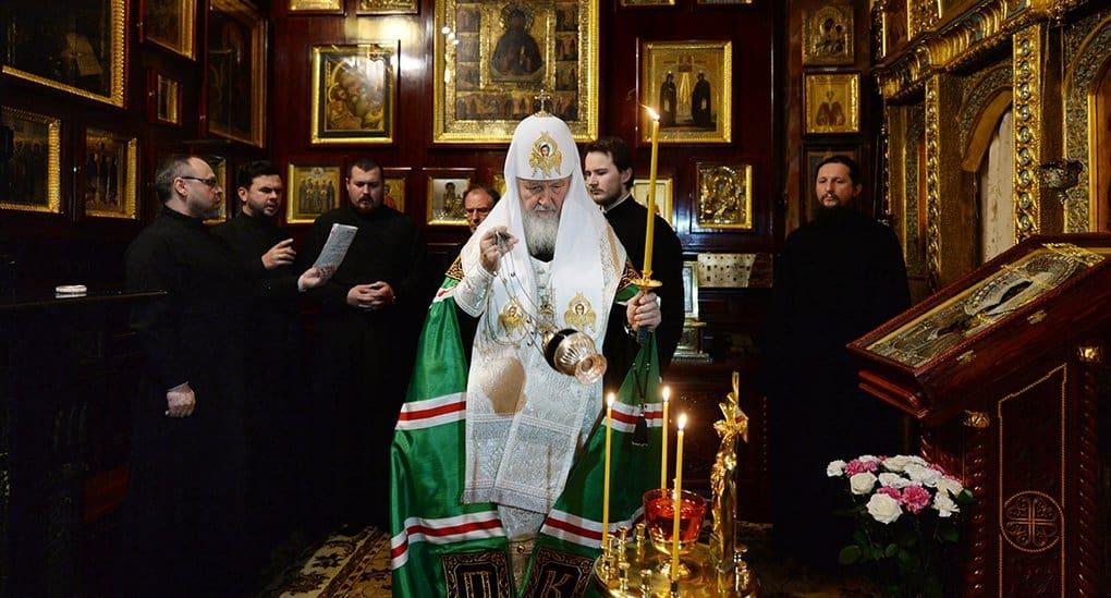 Патриарх Кирилл совершил литию по жертвам авиакатастрофы на Синае