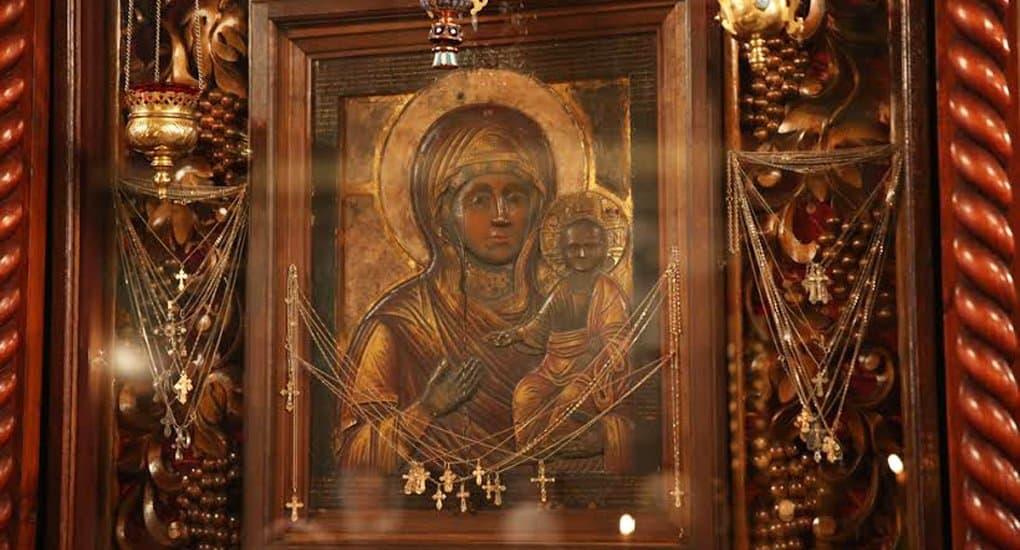 Возрождается традиция изнесения Влахернской иконы в центр храма