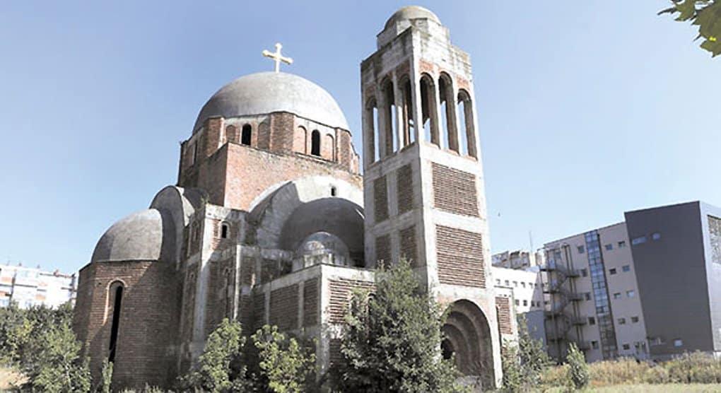 Сербская Церковь протестует из-за нового осквернения храма в Приштине