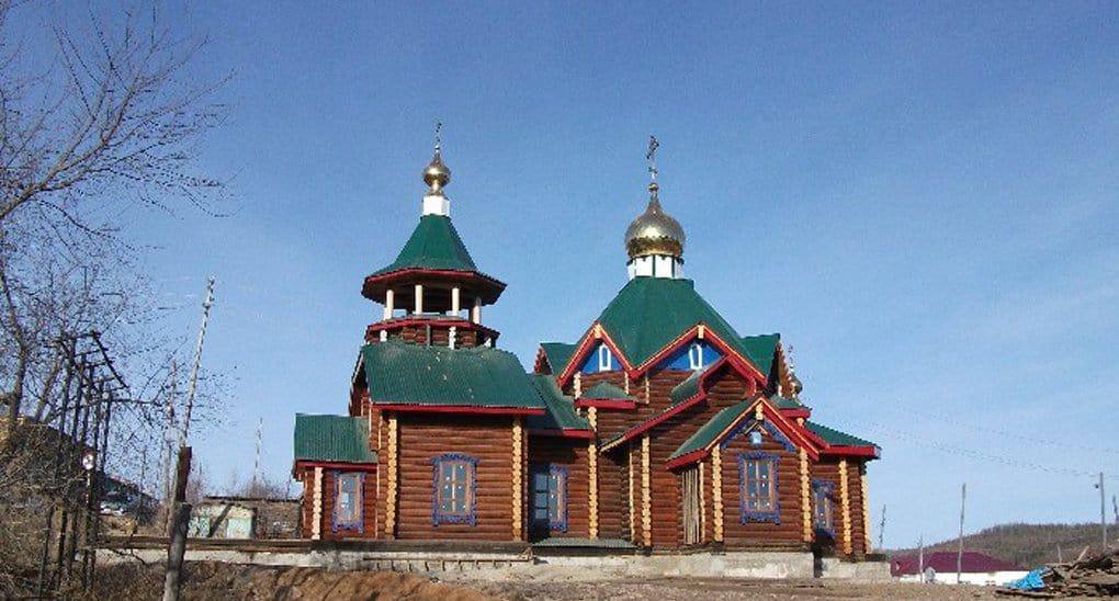 Единственный священник Байкита построил храм для эвенков