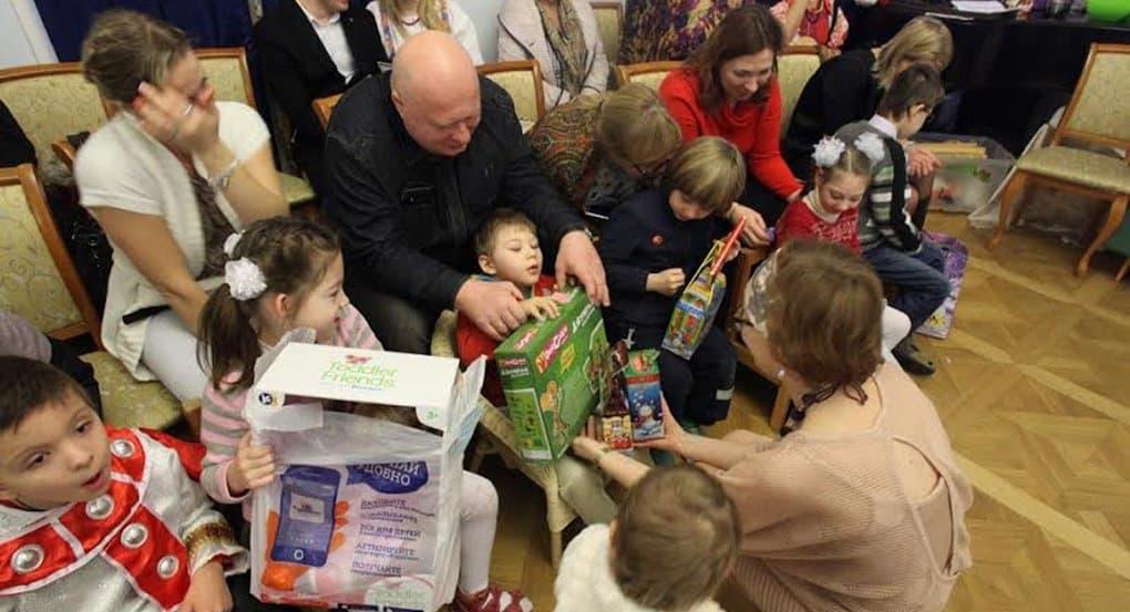 Более 30 тысяч рождественских подарков собрало «Милосердие» для нуждающихся