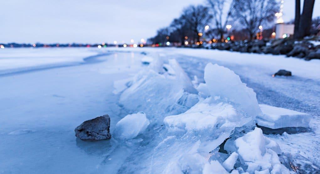 Прихожанин храма в Оренбуржье спас провалившегося под лед мальчика
