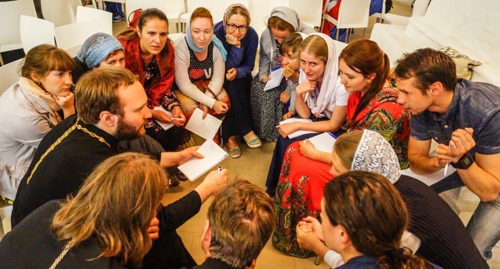 Местом встречи и личного развития молодежи может стать приходская община, - патриарх Кирилл