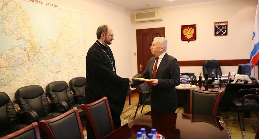 Заксобрание Петербурга благодарно священнику за создание детского хосписа
