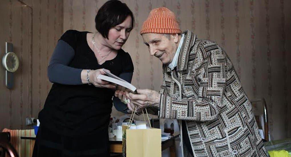 «Милосердие» ищет попечителей для крупнейшей в Москве службы добровольцев