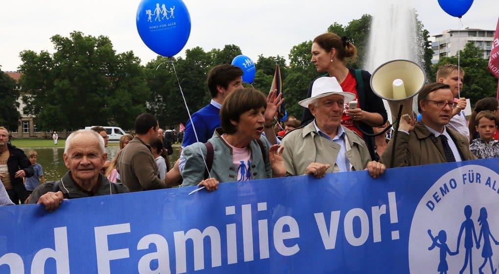 Христиане Штутгарта против уроков об однополых парах