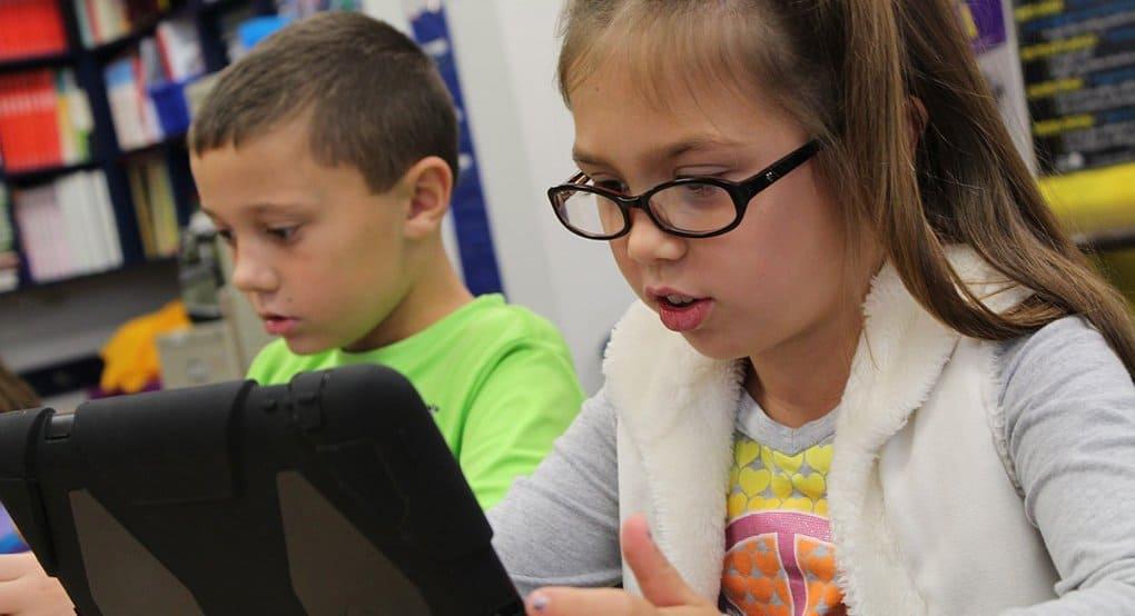 В Минздраве рассказали, почему детям опасно чрезмерно увлекаться компьютерами