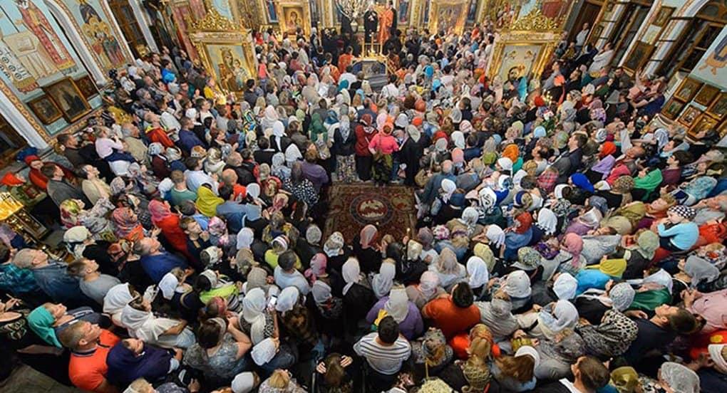 Тысячи верующих встретили в Чимкенте Казанскую икону Божией Матери