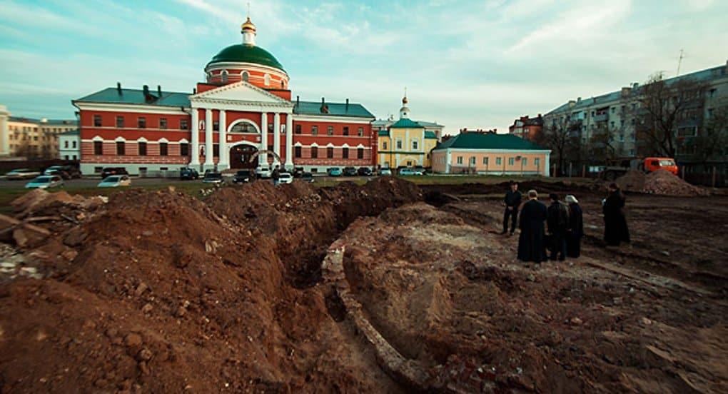 Патриарх Кирилл заложил собор на месте обретения Казанской иконы