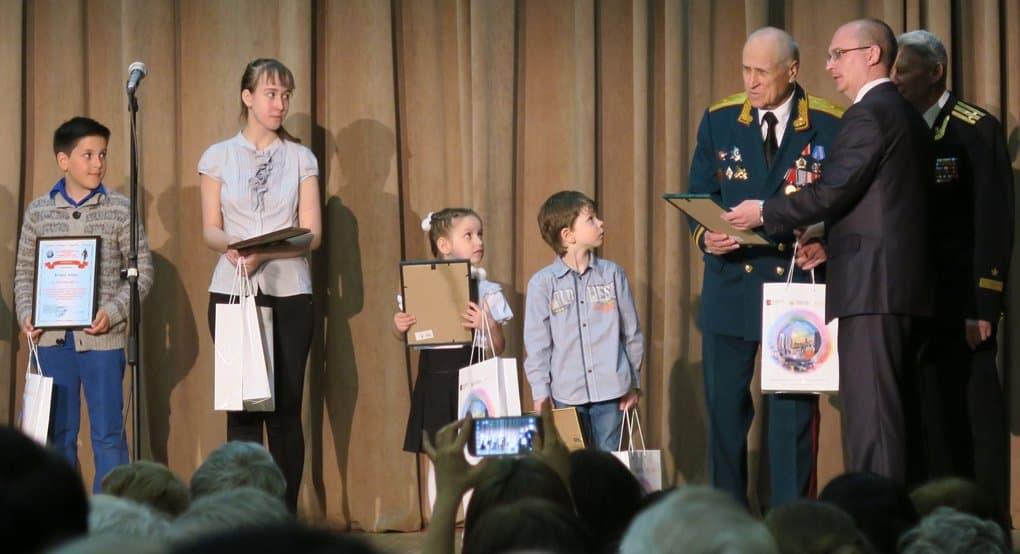 Юных художников наградили за рисунки о Великой Отечественной