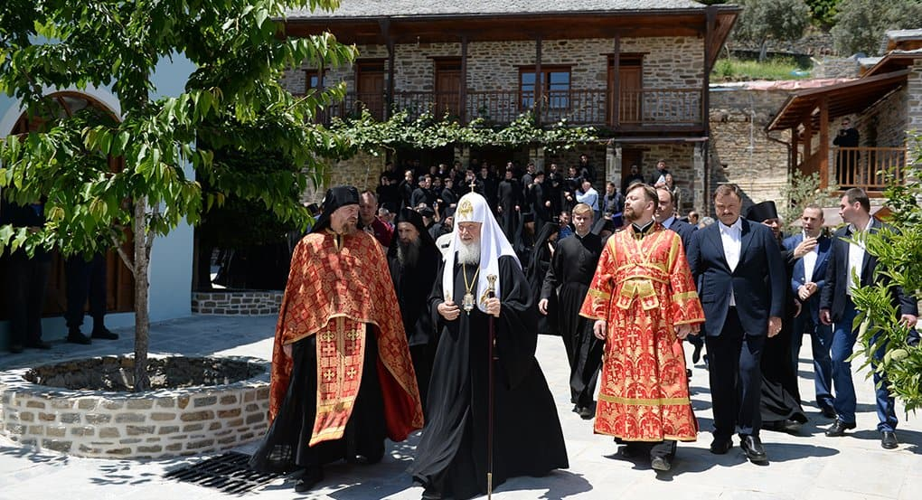 Патриарх Кирилл помолился в древнейших русских обителях Афона